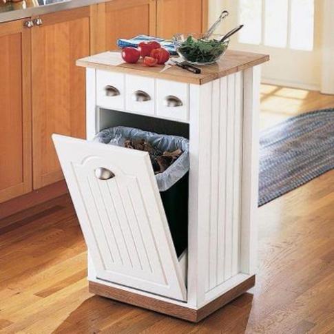 Tiết kiệm diện tích bằng cách đặt thùng rác bên trong tủ